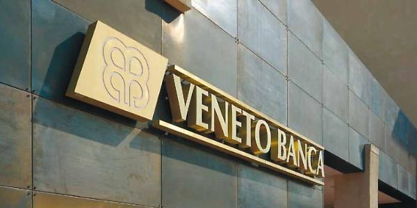 Con l'auto contro una filiale di Veneto Banca | Era invalido e aveva perso 100mila euro in azioni