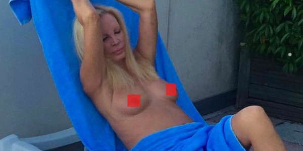 Patty Pravo nud@ su Twitter
