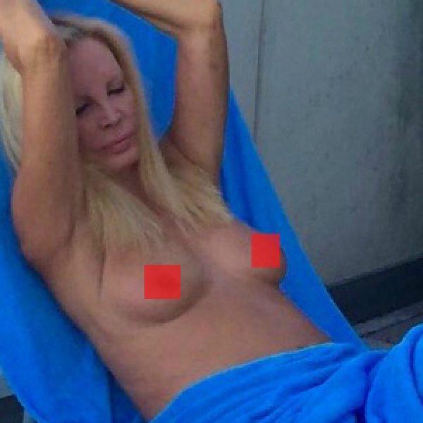 Gossip, Patty Pravo nuda su Twitter... che topless! /FOTO