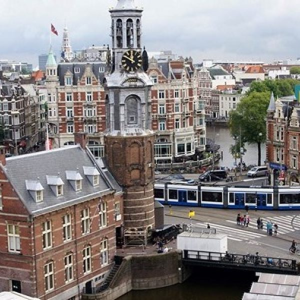 Amsterdam, due persone accoltellate presso la stazione