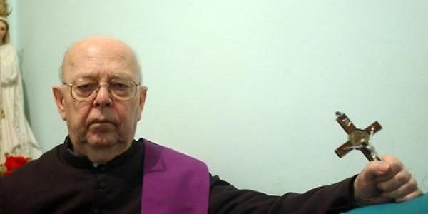 Muore don Amorth, tra gli esorcisti più famosi al mondo