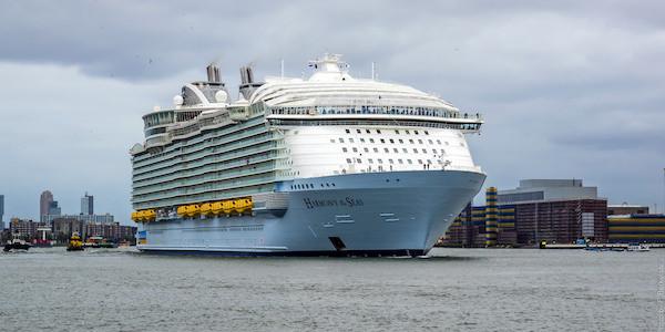 Marsiglia, tragedia in porto: precipita scialuppa dal gigante delle crociere