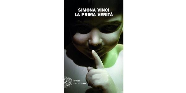 Il Premio Campiello assegnato a Simona Vinci con 'La prima verità'