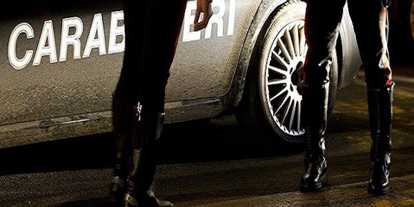 Carabinieri del nucleo operativo di Via Inselci durante  l'operazione antidroga tenutasi durante la notte; Effettuati pi˘ di 30 arresti in tutta Italia il 18 aprile 2012 a Roma ANSA/MASSIMO PERCOSSI
