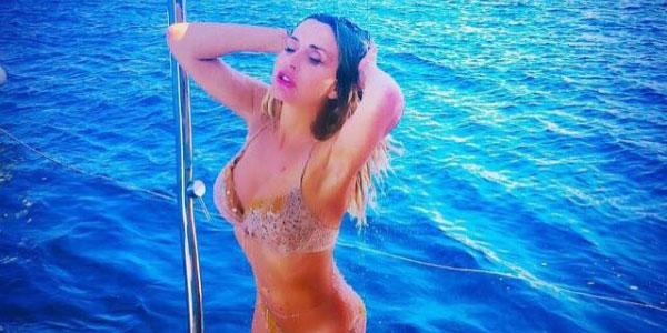 """Gossip, Valeria Marini si sfoga dopo il Gf Vip: """"I miei compagni erano dei cecchini"""" – FOTO VIDEO"""