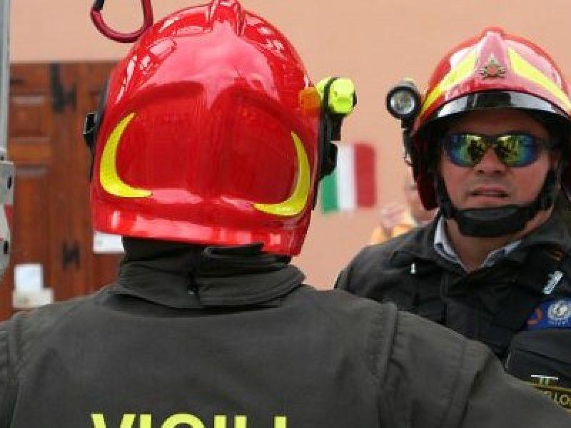 eslposione Chiaiano, esplode gas napoli, esplosione napoli, esplosione via guantai ad orsolone, morto esplosione napoli, Napoli