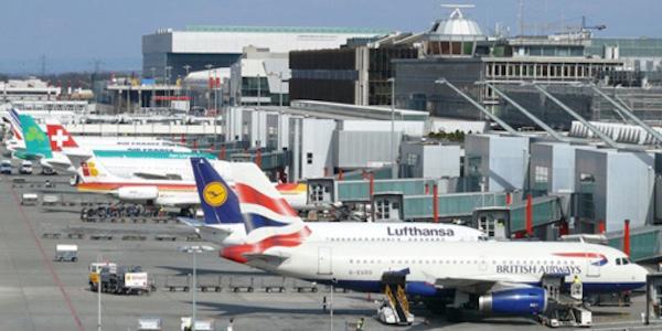 Panico a Ginevra, allarme bomba all'aeroporto | Arrestato l'uomo che aveva avvisato le autorità