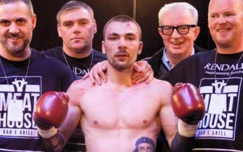 Tragedia nella boxe: pugile scozzese Mike Towell muore dopo il match