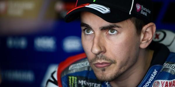 Motogp, test Valencia: c'è feeling tra Lorenzo e la Ducati. Lo spagnolo è terzo, cadute per Rossi e Iannone