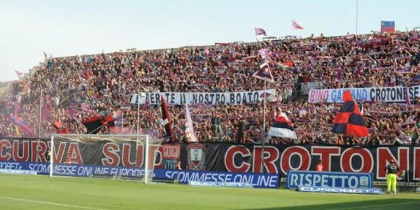 Serie A, la Roma si riprende il secondo posto. Nainggolan e Dzeko stendono (0-2) il Crotone