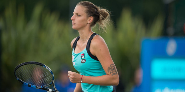 WTA Finals: Pliskova demolisce Muguruza, ok Venus
