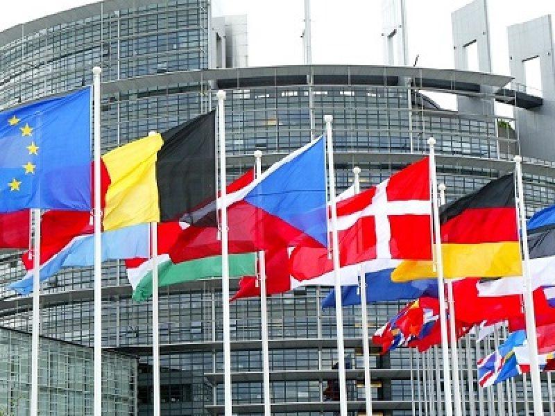 Alde M5S, Efdd, Grillo Alde, Grillo Ukip, gruppo, Gruppo parlamento europeo M5S, M5S, M5S sceglie Alde, ukip, voto M5S