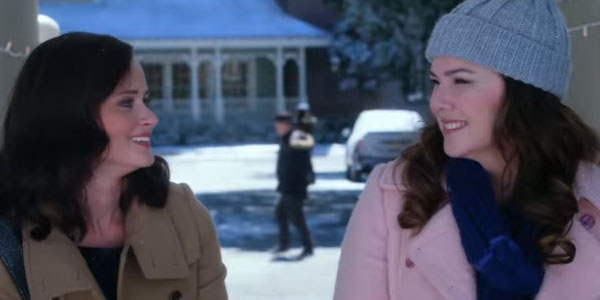 """""""Una mamma per amica"""" apre le porte del set per le feste natalizie"""