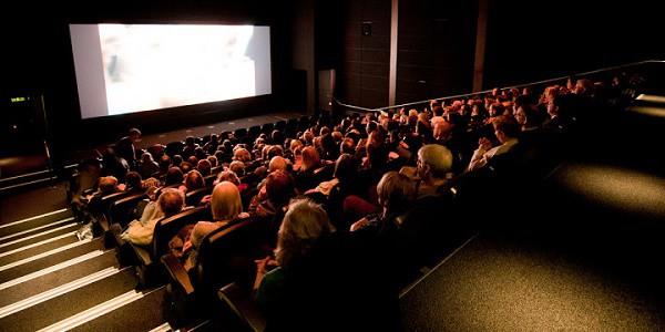 Sempre meno gente va al cinema: nel 2017 -46% di presenze