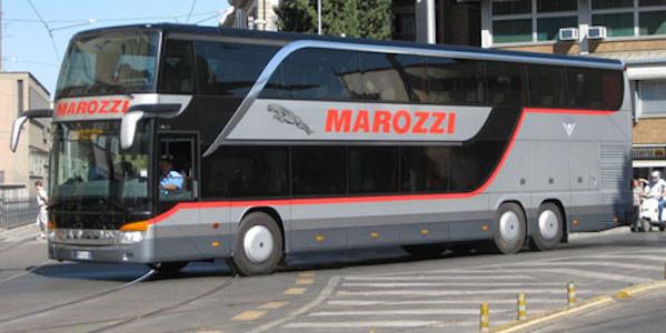 Assalto al pullman diretto a Roma: autisti immobilizzzati e passeggeri rapinati