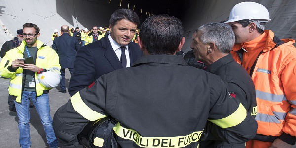 Palermo: Renzi contestato da una precaria