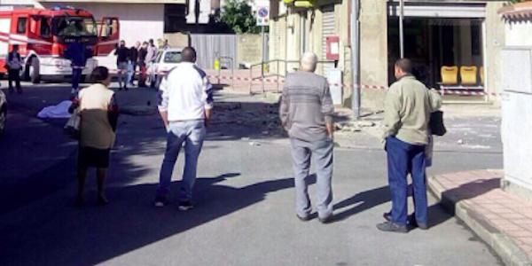 Crolla un balcone a San Ferdinando, muore 72enne
