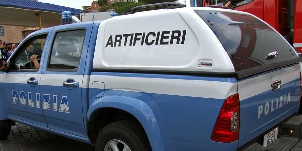 Esplosione al Commissariato di Polizia di Andria: un ferito