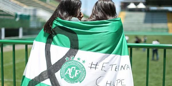 Strage Chapecoense: in migliaia allo stadio per l'ultimo saluto
