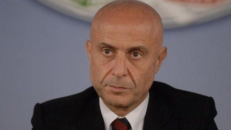 """L'allarme di Minniti: """"Le mafie possono condizionare il voto"""""""