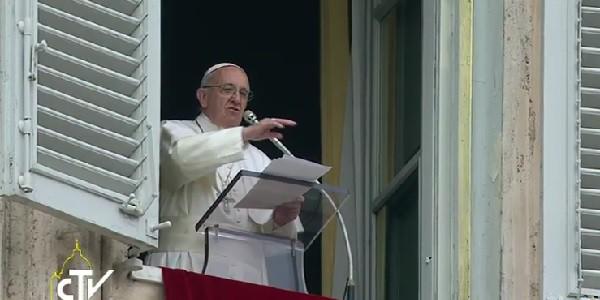 Papa Francesco, Angelus