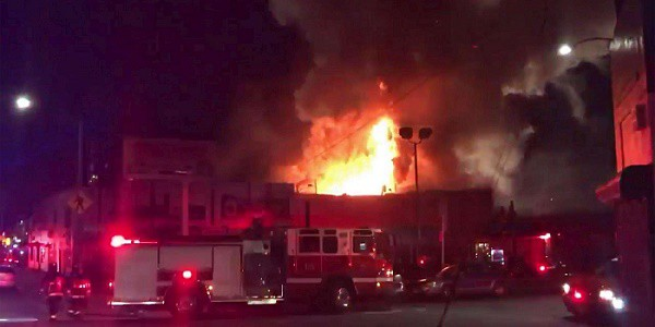 Usa, incendio in un capannone durante un party: 9 morti