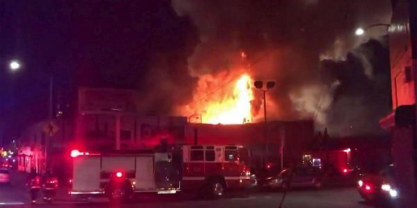 Usa, incendio in un capannone durante un party: 9 morti