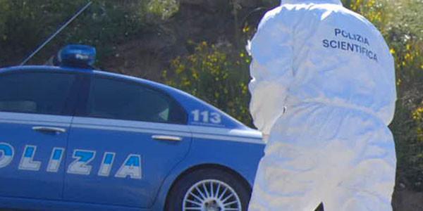 Due cadaveri in un casolare di campagna: indagini per duplice omicidio