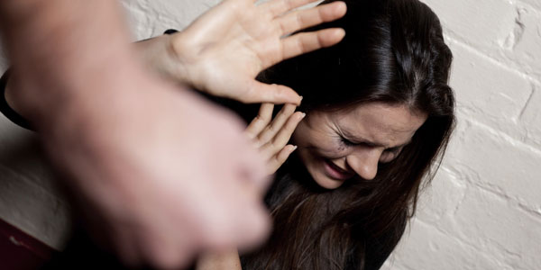 Ravenna, ragazza violentata e filmata: 2 arresti | Si tratta di un senegalese e di un romeno