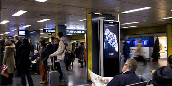 Aereo fuori pista a Linate, voli dirottati su Malpensa: passeggeri illesi