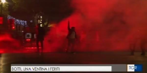 Palermo, spara colpi in aria con pistola durante concertone Capodanno VIDEO