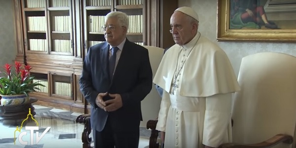 Il presidente Abu Mazen incontra Papa Francesco | Inaugurata l'ambasciata palestinese in Vaticano