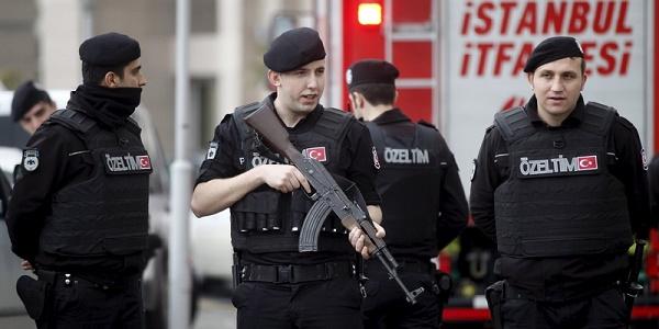 Antiterrorismo, non si fermano gli arresti | In Turchia fermate quasi 1.300 persone