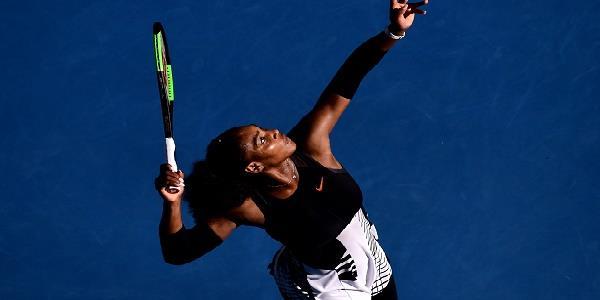 Australian Open, Serena Williams trionfa e si riprende il trono femminile: battuta in due set Venus