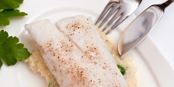 Mangiando pesce ingeriamo plastica: i risultati di una ricerca shock