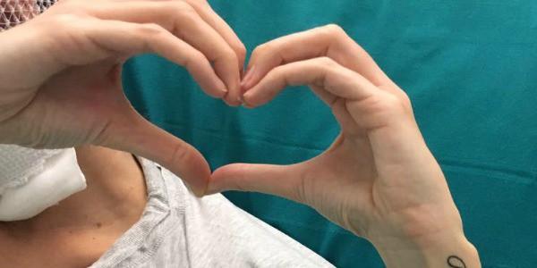 Sfregiata con acido, la foto di Gessica dall'ospedale