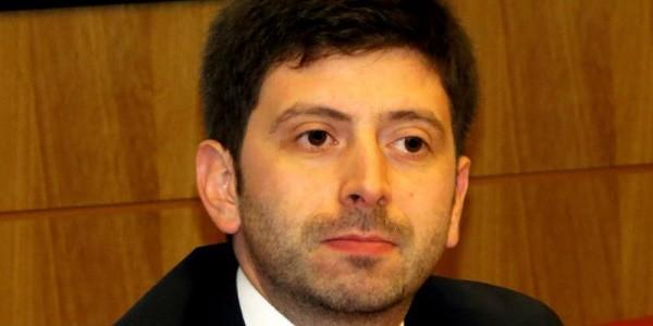 Roberto Speranza, Potenza: ragazzo grida e lancia iPad contro deputato Pd
