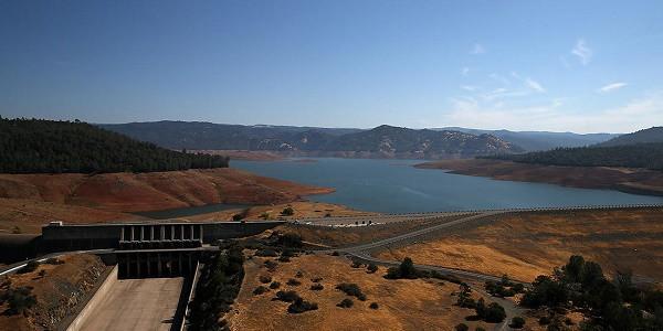 California, una diga rischia di crollare