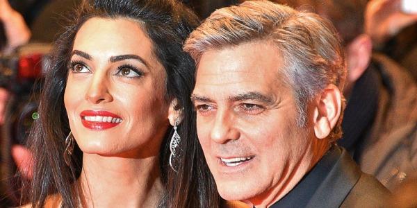 I gemelli piangono in aereo? George Clooney regala cuffie ai passeggeri