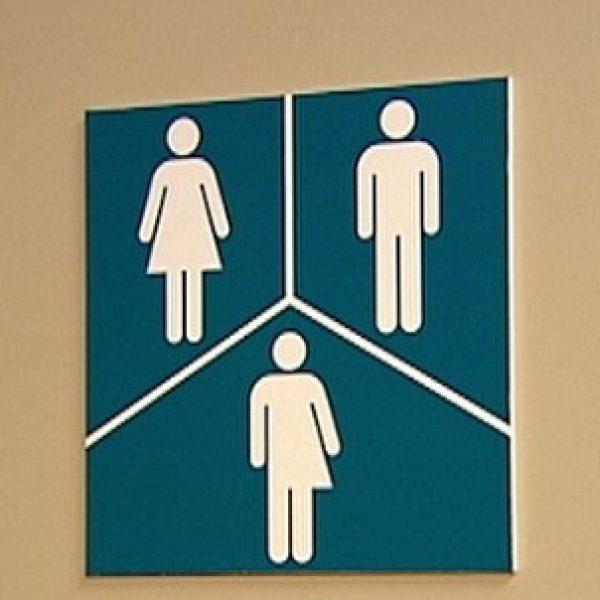 Usa, Tump cancella i diritti dei transgender |Via le linee guida anti-discriminazione di Obama