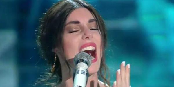 Sanremo 2017, Bianca Atzei in lacrime sul palco: ecco perchè – FOTO