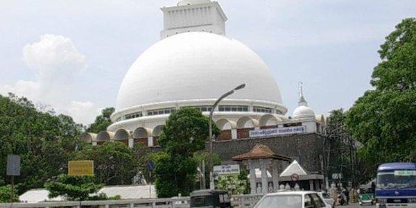 Sri Lanka, montagna di rifiuti sulla baraccopoli   Il bilancio è di 16 morti: 4 sono bambini