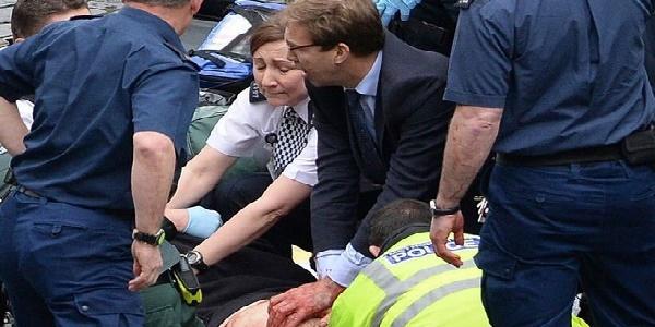 LONDRA, ATTACCO AL PARLAMENTO/VIDEO|Auto sulla folla, quattro le vittime, venti i feriti |Morti anche l'attentatore e l'agente ferito FOTO