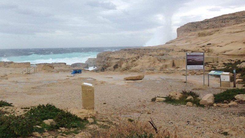 Crolla finestra azzurra di malta si24 - Malta finestra azzurra ...