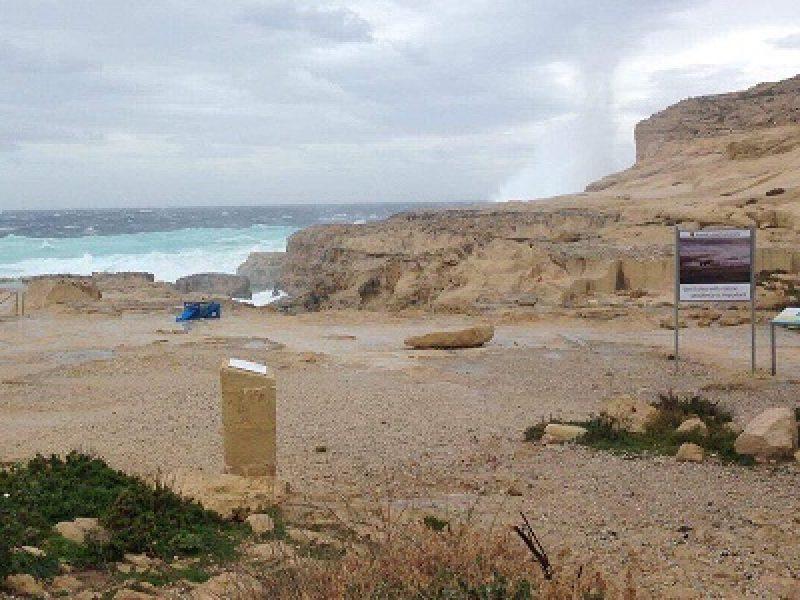 Malta non avr pi la sua 39 finestra azzurra 39 foto collassata a causa dell 39 ondata di maltempo - La finestra azzurra gozo ...