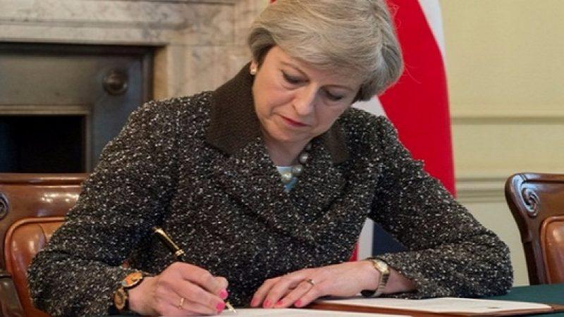 """La Brexit è ufficialmente iniziata, May: """"È storia""""  Consegnata la notifica di attivazione articolo 50"""