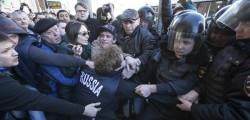 Russia polizia cortei Navalny