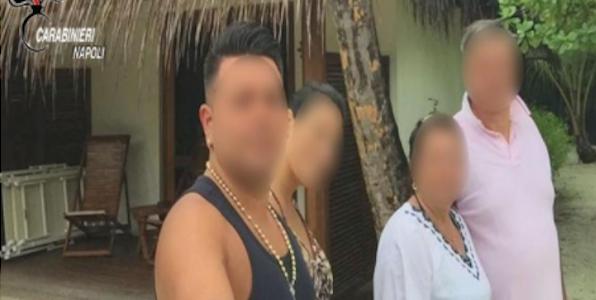Vacanze alle Maldive dopo i furti negli appartamenti: sgominata banda