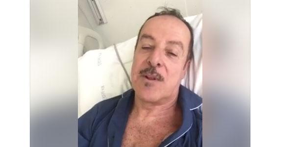 """Massimo Lopez ringrazia i fan e i medici su Facebook: """"Sto molto meglio"""" /VIDEO"""