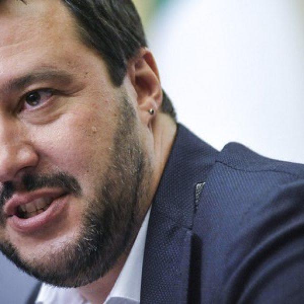Salvini 'apre' al M5S e telefona a Di Maio ma Berlusconi lo stoppa